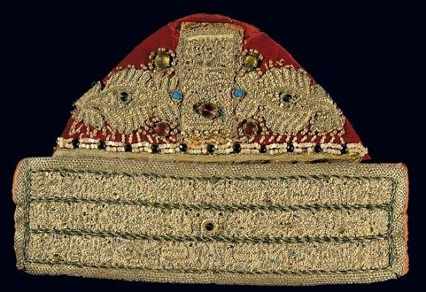 Gold-thread embroidered skouphia (skull-cap) with seed pearls; part of the composite bridal head-dress of Astypalaia island. 19th c. H. 0.22 m. Gift of Dorothea Mela. (EE 3064)   image and text copyright Benaki Museum