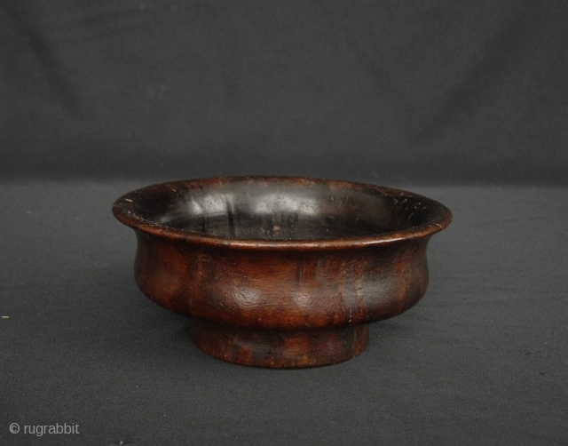 Tibetan Yak Butter Tea Bowl: Old Tibetan Yak Butter Tea bowl carved from burlwood, possibly Rhododendron, it can be anywhere from 50 to a 100 years old. Most of the more recent  ...