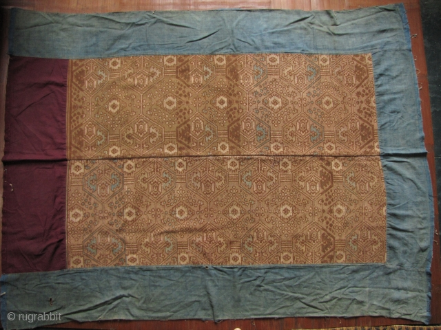Dai Blanket: Fine and rare antique Dai blanket from Yingjiang, Yunnan, China. These are unique to this area and are found nowhere else. This is woven from all handspun vegetal dyed heavy  ...