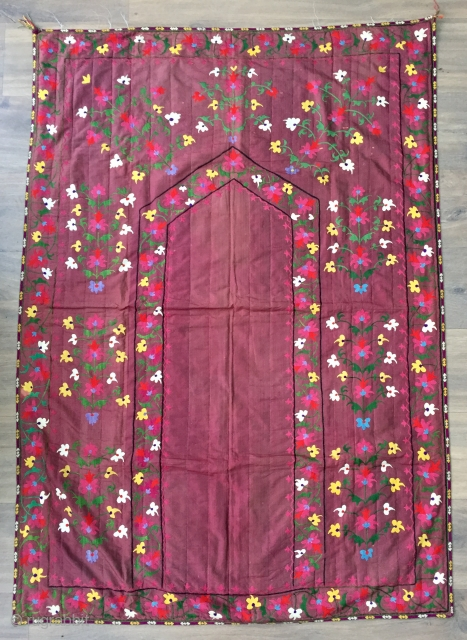 Very pretty antique Lakai suzani from the late  19 c  fresh in. 