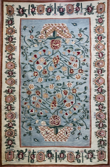 Bessarabian Kelim (Ukraine) superb example late 19 c in excellent condition all wool and natural dyes size 2.74 x 1.8 m I will be showing at the HAli fair London 27-30 June