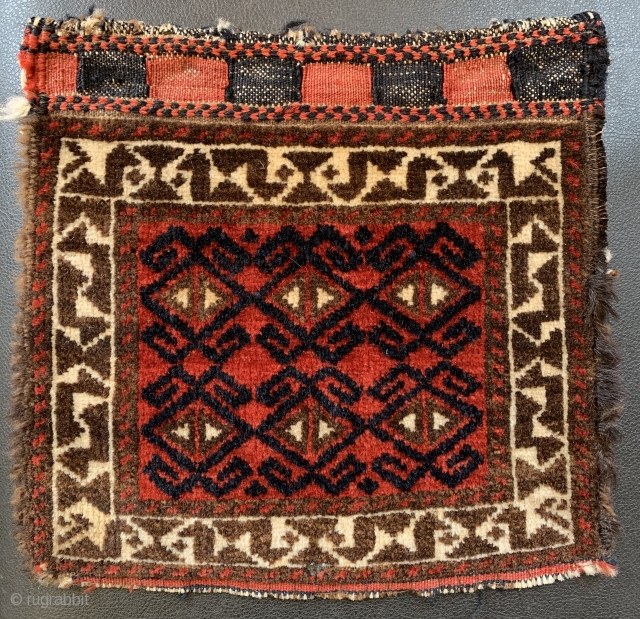 Tiny antique Baluch chanteh 27 cm square full pile natural dyes