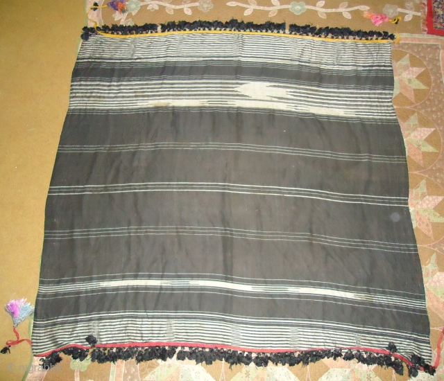 Antique taxtile a good silver metalic  Work on white lines  Size 4feet5inch.