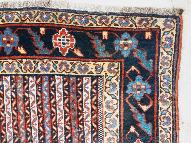 Antique khamseh 190 X 153 cm.
