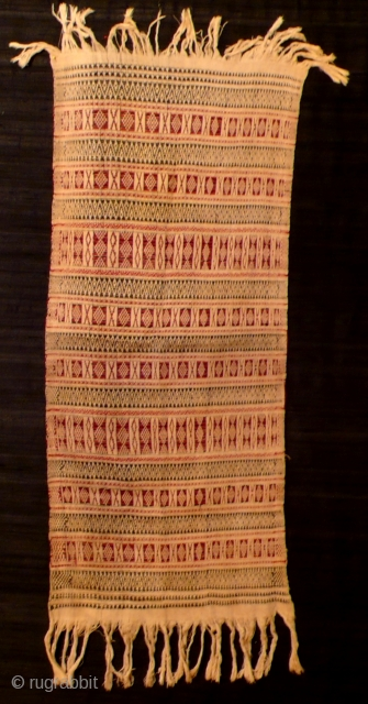 Turban, rectangular cotton cloth, Aceh, Indonesia, ca. 1950   Handwoven, geometrical pattern, supplementary weft technique, off white, black and red.   Rare piece, used but very good condition.  Measurements: ca. 94 x 42 cm (without  ...