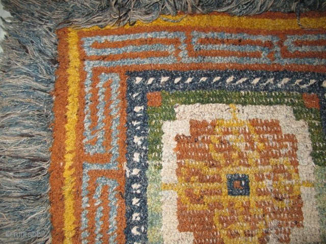 """19th cen. Tibetan ' Wangden ' 'warp-back' square with Dorje Tantric thunderbolts making a quatrafoil in the center. Two greens. The pile portion measures about 27""""x28"""". All good natural colors. Center is  ..."""