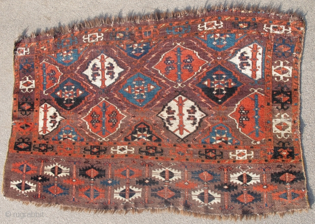 Chodor Turkmen Chuval, Ertmen guls, dynamically drawn with particularly well rendered bird heads. Good range of colors including at least three blues and a lemon yellow. Highlights with natural undyed brown wool  ...