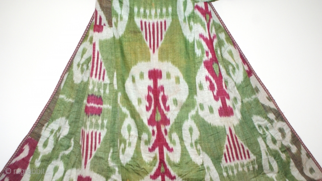 Beautiful Antique Uzbek silk wrap/cotton weft Ikat Adras coat (Chapan). excellent natural colours and pattern.Beautiful linen, Good condition, and offered reasonable price.