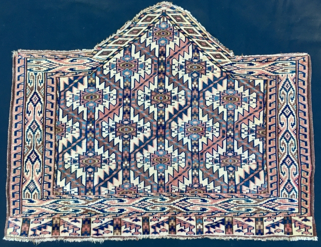 """7/seven sided Yomut asmalyk. Cm 80x100 ca or 31""""x40"""". Full 19th century. This great piece has been done by a very skilled weaver who knew how to handle offset knotting to get  ..."""