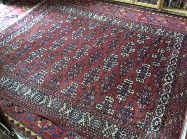 Turkmen Yamout, XIXth (second part), 2 different elms, good condition,  unusual colors, beautiful bordures. Knots open right ( some symetrical). Very fine and floppy. More pictures available.
