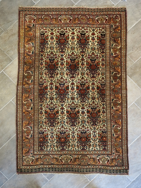 Unique Qashqai' zili soltan design with an outstanding border.cm 195x123