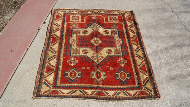 Nice looking Fachralo prayer rug low pile theres no repair sides are original.