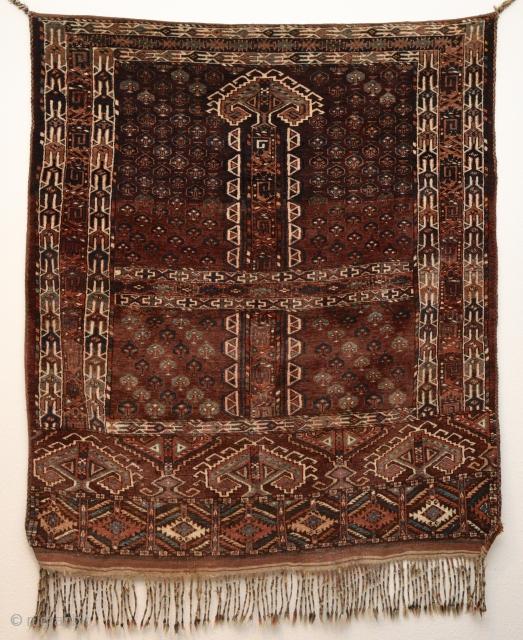 Turkmen ensi Yomut or Chodor. Late 19th century. 165cm x 148cm