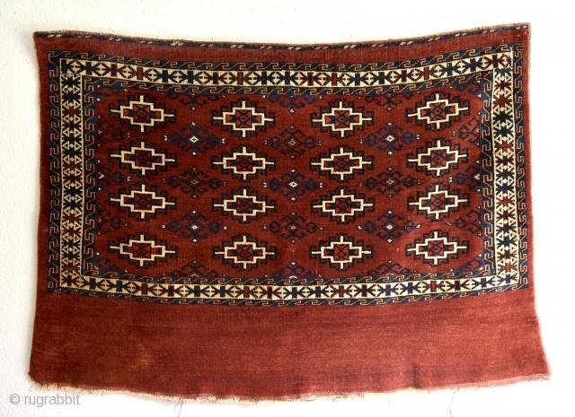 "Memling gul Yomud chuval. Early 1900's. Size: 120x86cm/ 3' 11.2441"" x 2' 9.8582"""