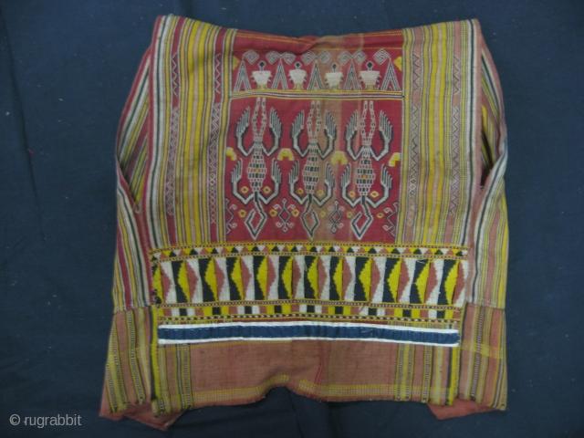 Borneo, Iban Dayak Galambik Jacket.50 x 50 Cm. For more : http://indonesia-textile.blogspot.com