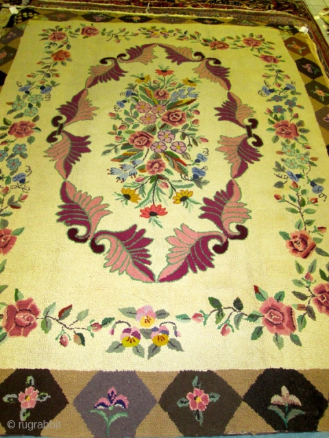 awesome Antique Amercan Hooked  Rug.