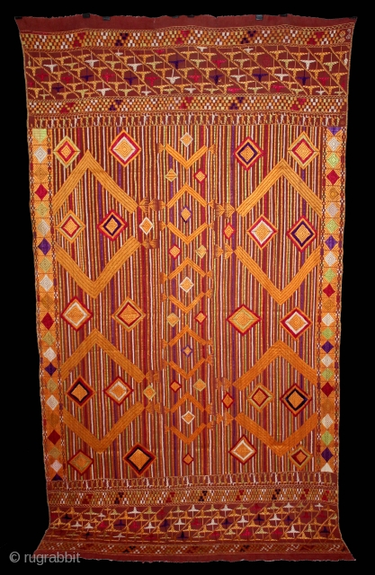 Phulkari From East(Punjab)India Called As Sarpallu(Patang Design) Bagh.Rare Design.Floss Silk on Hand Spun Cotton khaddar Cloth.Mind Condition.Its size is 124cm x 228cm.(DSE03420).