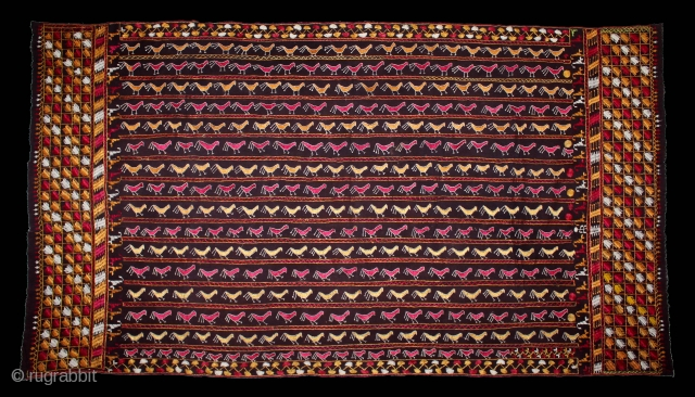 Folk Phulkari From East(Punjab)India.C.1900.Rare Birds Design.Floss Silk on Hand Spun Cotton khaddar Cloth.(DSL03450).