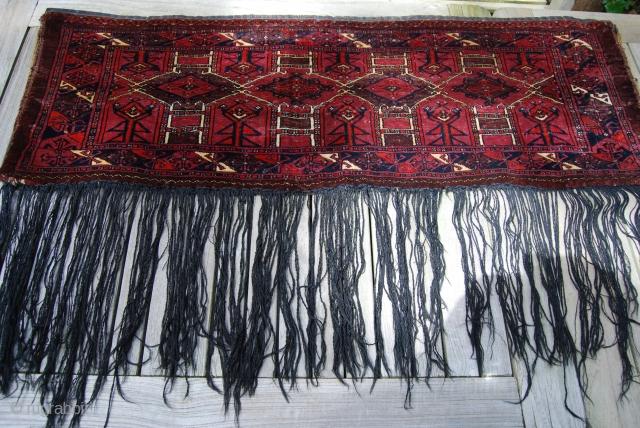 Turkmen (Saryk?) torba with Kejebe design, complete with back and fringe, 44 x 125 cm (+ fringe 35 cm), rather good condition