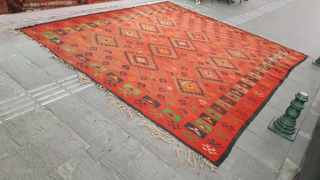 Size : 320 x 340 (cm),