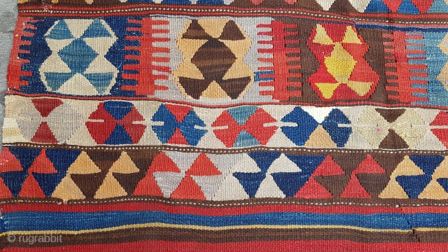 Size : 120 x 225 (cm)   Middle anatolian kilim  Over 150 years old .  Natural dyes