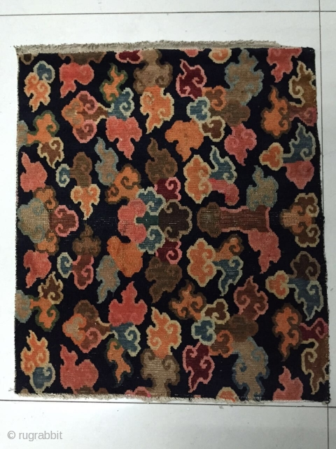 Tibetan rug, about 1900 years, size 72x62cm, welcome consultation