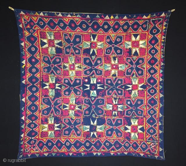 İndian (Gujarat) textile first half 20th century Size:87x87cm / 34x34 inc