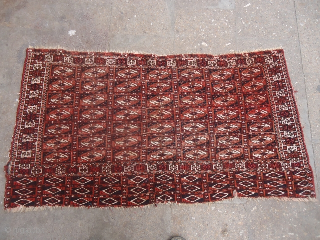 "Chuval with extra fine weave and dogs or goats,Size 4*2'2"".E.mail for more info and pics."