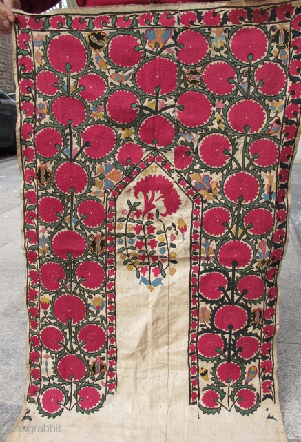 Uzbek Suzani size  is  100cmx065cm
