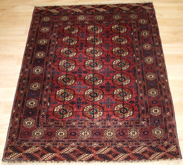 Antique Tekke Turkmen rug of small size, these rugs are generally considered to be 'dowry' weavings. 