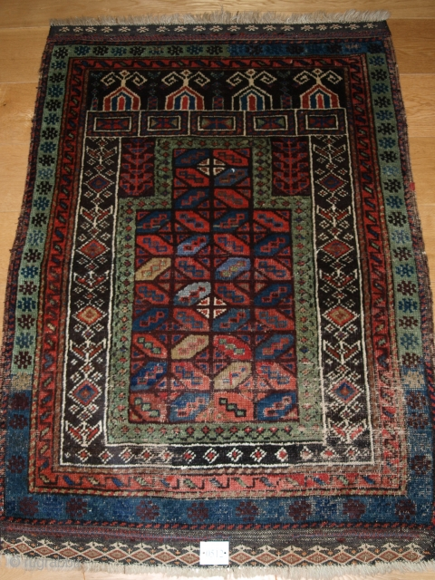 Unusual Baluch prayer rug with 'tile' design, size: 132 x 94cm (4ft 4in x 3ft 1in).