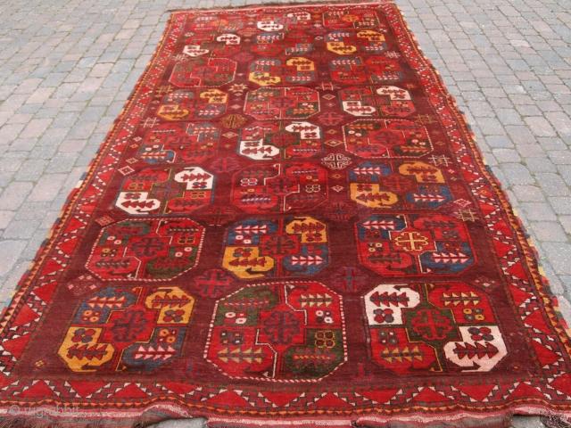 Uzbek Turkmen carpet, Size: 415 x 200cm.