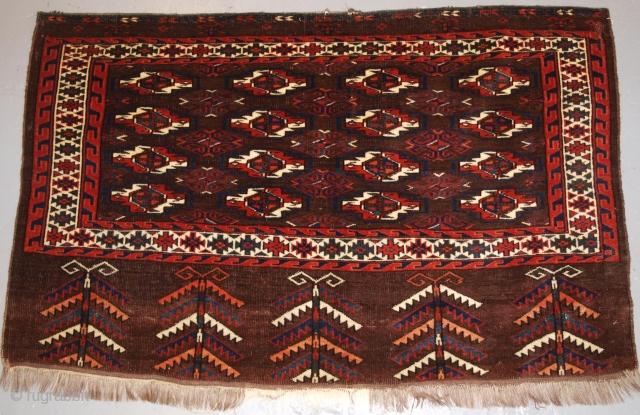 Yomut Turkmen chuval, Size: 118 x 73cm.