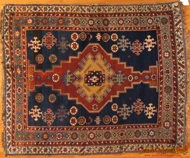 Kuba, c. 1900. 4 x 5 ft (120 x 150 cm), good condition.