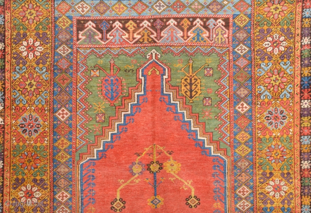 Late 18th Century Mudjur Rug Detail Size 135 x 180 Cm.It's in Good Condition And Untouched One.Ask About It.