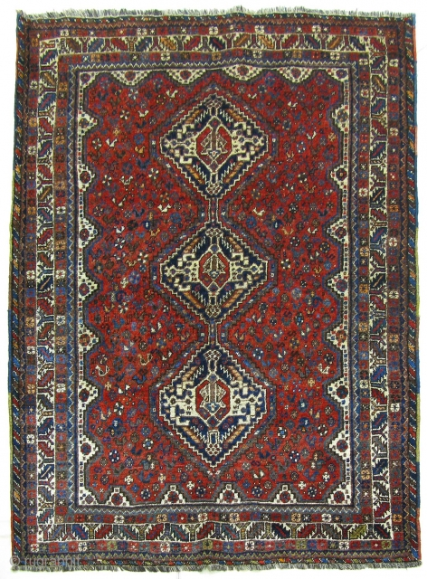 Rug no. 504: Early 20th.C Nomadic Qashqai, circa 1920, all wool, size:199x135 cm. Sourced in Shiraz, Iran, cleaned and restored on the edges. Southern Persia.