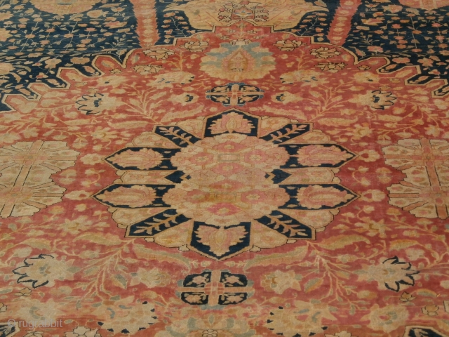 KASHAN Extra fine knotted persian piece.