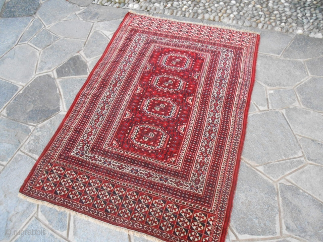 166 x 112  cm ANTIQUE TURKMEN carpet knotted tribe YOUMUT. Bejinning end XX° th century. Perfect the condition. Full pile any restors, repils, stains. Very fine knot for this one.  Has been WASHED. Other info or  ...
