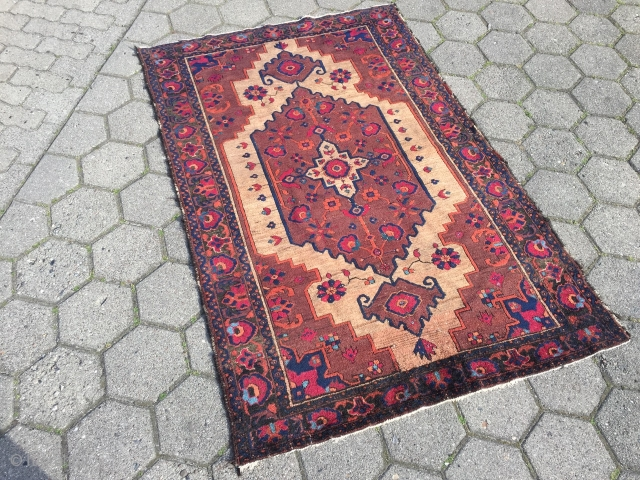 a very nice antique Ferdows Baluch rug, beautiful drawing. Size: ca. 171x113cm / 5'6''ft x 3'7''ft www.najib.de
