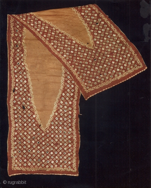 Indonesian textiles  Indonesia 013 – (244cm x 6cm – 96in x 26in)pelangi, shoulder cloth malay people, Palembang region, south Sumatra, silk, natural dyes tie dyeing, painting, stitch resist dyeing, apx. 100 yrs.  ...