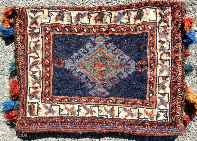 Complete and original Afshar chanteh. Very good condition. Clean. Late 19th c.