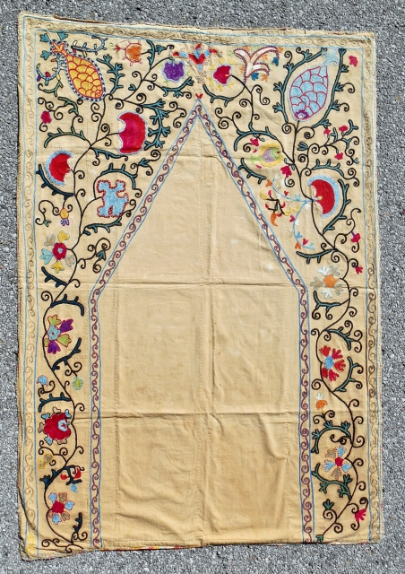 Charming small Uzbek prayer Suzani. Excellent color and fluid drawing. Good condition. Circa 1850-70.