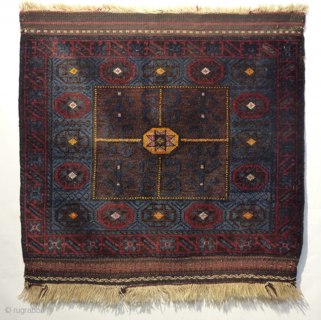 Beluch bagface around 19 jh with original colors, wool and silk. Great condition.