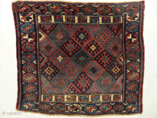 Jaff bagface with beautiful natural colors and good condition. High wool. Size: 67 x 76 cm