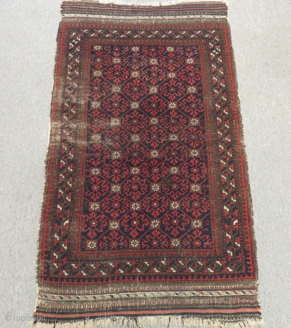 Antique Baluch Carpet Size.104x84cm