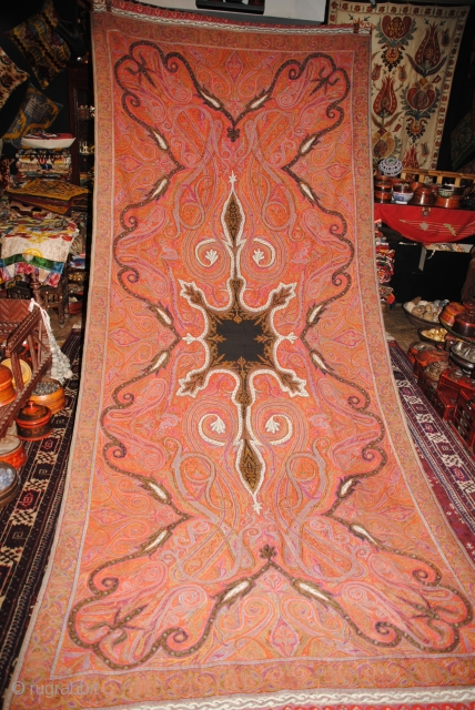 Exceptional 19th Centry Pieced indian shawl in great condition, few very small holes only, The colours are very fresh and nice designe.  Very long size, more than 3 meters.