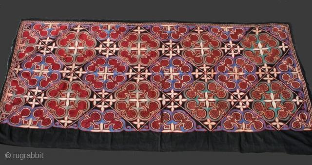 Caucasus embroidered Panel | late 19th. | 183cm x 95cm (6 x 3,1)