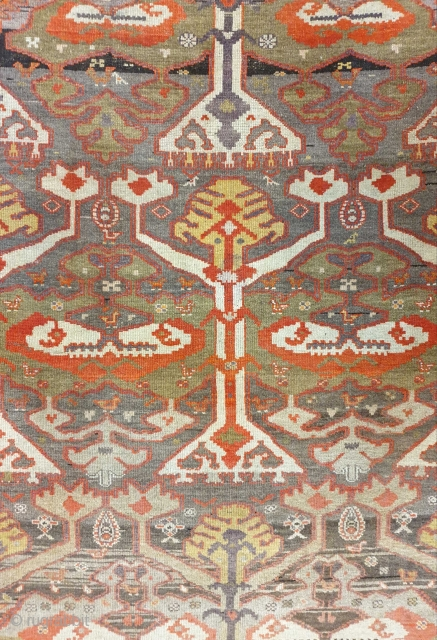 Exquisite rug from shahsavans of saveh Early 20th century , size 190 * 140 cm