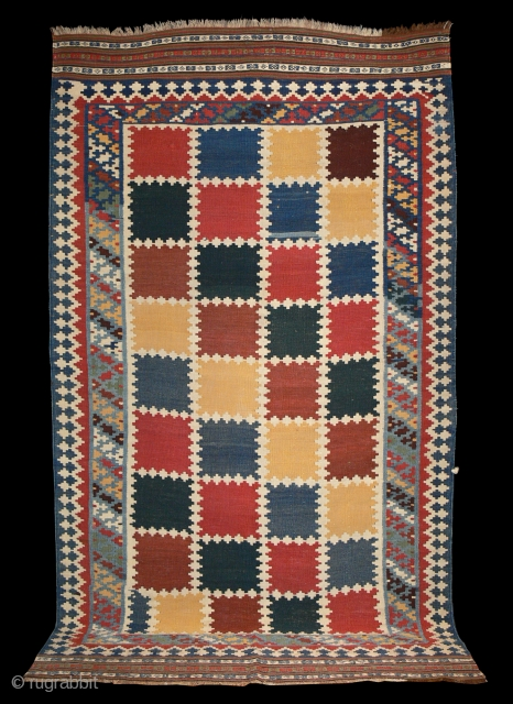 Ref 1327 Qashqai kelim, circa 1900. 8'3 x 4'8 - 250 x 142. Good condition without restoration. All natural dyes.