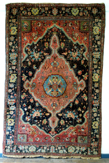 SOLD / Antique Farahan Sarough, 215 x 135 cm. 7.1 ft. x 4.5 ft. 
